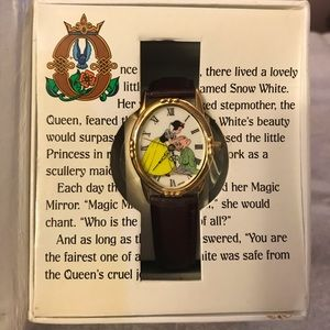 Disney LE Snow White Storybook watch- never worn